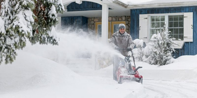 best snow blower for small driveways