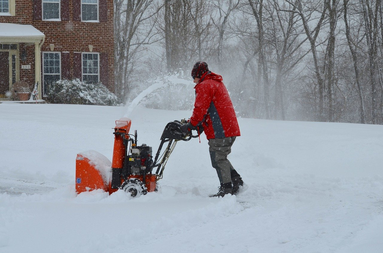 best time to buy a snow blower for winter season